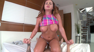 Keisha Grey bounces that nice juicy ass up and down on his prick