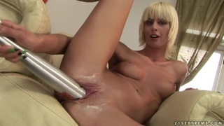 Vaginal pumping for sexy blonde White Angel