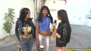Gorgeous ebony girls show their nude bodies