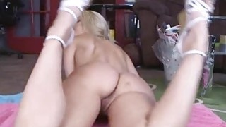 Hottie hot chick Anita Albrite loves to be fucked