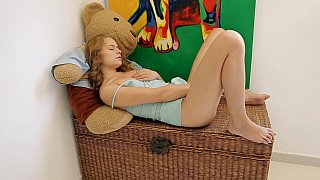 Nasty teen babe plays with her pussy and asshole
