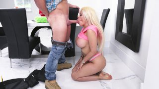Busty MILF Luna Star gets hair grabbed and face fucked