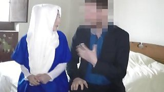 A horny hotel manager gives an Arab girl a room in return of her pusy