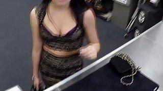 Amateur babe Kallie Joe swallows a pawnman bigcock for cash