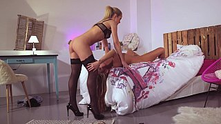 Fancy blondes love lesbo sex