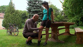 Picnic table pounding
